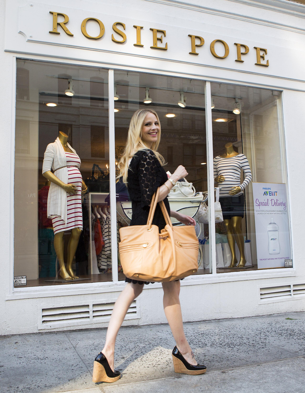 Rosie Pope – A Mom in Manolo Blahnik's