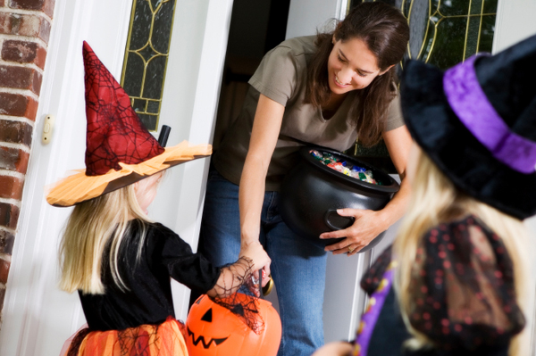 Daddy Nickell's Safe Trick or Treating Tips