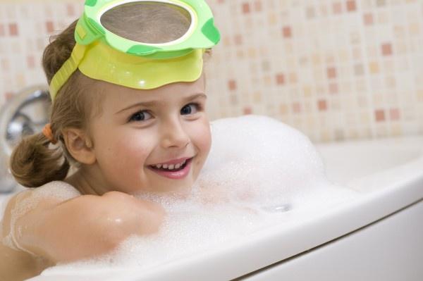 Easy Ways to Make Bathtime Fun