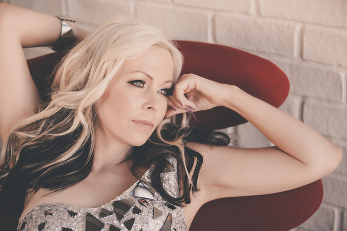 Terri Nunn; BERLIN, Sex, Life, Motherhood, and Dreams