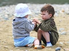 toddler_sharing_image